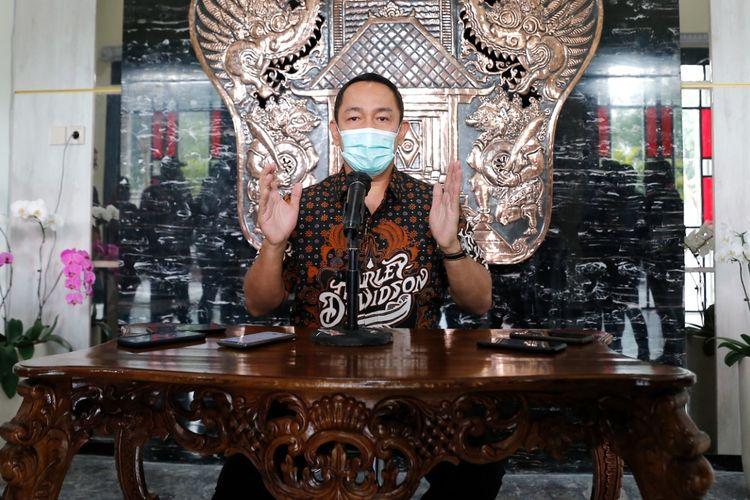 Wali Kota Semarang Hendi saat memberikan keterangan pers dalam rangka pelaksanaan PPKM Darurat mulai Sabtu (3/7/2021) hingga Selasa (20/7/2021) di Balai Kota Semarang, Jumat (2/7/2021).