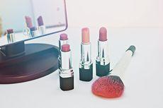 Warga Wajib Pakai Masker, Penjualan Lipstik di Jepang Merosot