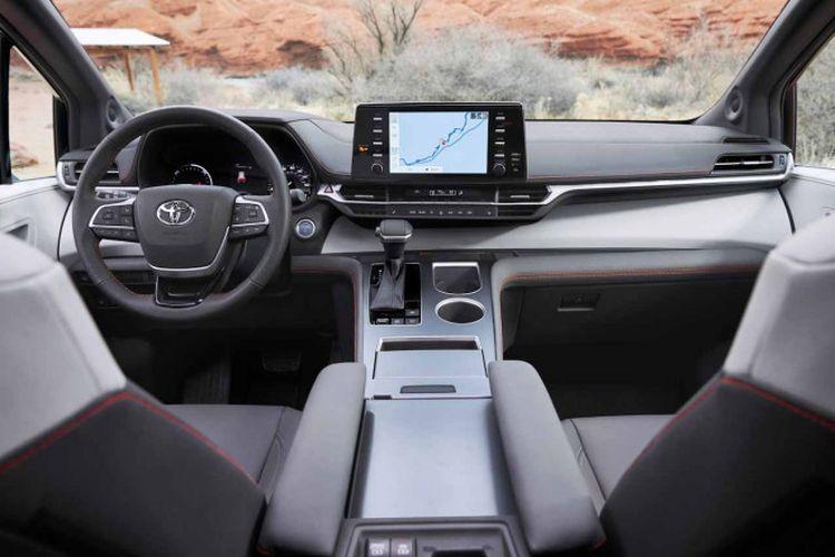 Tampilan dasbor di interior Toyota Sienna