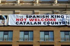 Muncul Spanduk Raksasa tentang Penolakan Raja Spanyol di Barcelona