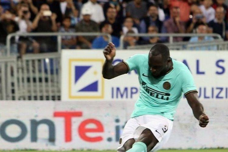 Romelu Lukaku mencetak gol penentu kemenangan Inter Milan saat berhadapan dengan Cagliari pada pekan ke-2 Serie A, di Sardegna Arena, 1 September, Laga berakhir dengan skor 2-1 untuk Inter.