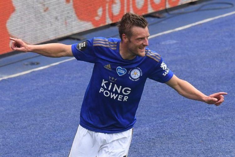 Penyerang Leicester City, Jamie Vardy, seusai mencetak gol ke gawang Crystal Palace pada lanjutan pekan ke-33 Liga Inggris, Sabtu (4/7/2020) malam WIB.