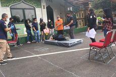 Polisi Gelar Pra-rekonstruksi Kasus Lansia Bunuh Istri di Jagakarsa, 16 Adegan Diperagakan