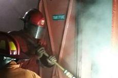 Kapal Pengangkut LPG Terbakar 1 Mil dari Pelabuhan Paotere Makassar