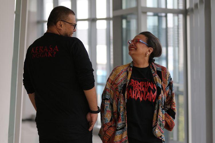 Aktris Christine Hakim dan Sutradara Joko Anwar berpose seusai sesi wawancara promo film Perempuan Tanah Jahanam, di Kompas.com, Jumat (20/9/2019).