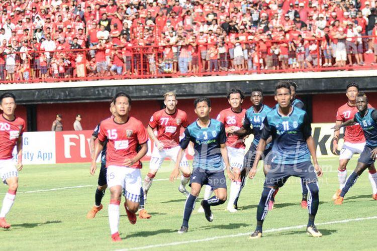 Pertandingan Grup G Piala AFC 2018 antara Bali United dan Yangon United di Stadion Kapten I Wayan Dipta , Gianyar, Selasa (13/2/2018).