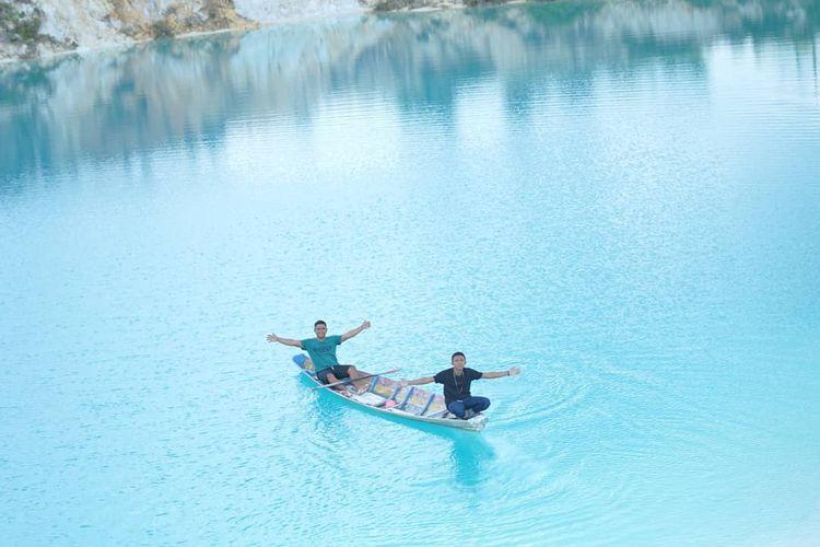 Kolam biru Selakau Timur, Sambas
