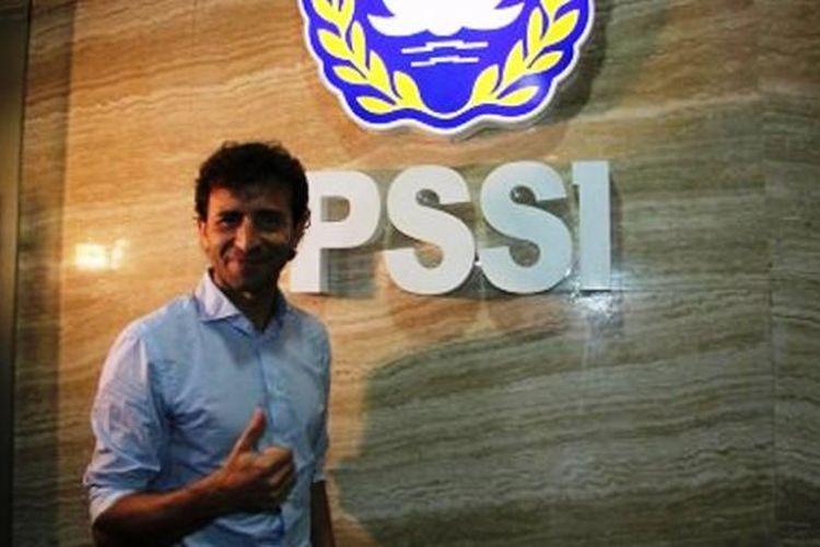 Pelatih baru timnas Indonesia, Luis Milla, diperkenalkan kepada media pada Jumat (20/1/2017).
