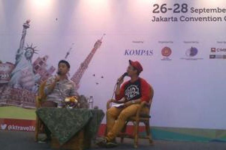 Kenny Santana saat melakukan Traveling Sharing di Kompas Travel Fair 2014, JCC, Minggu (28/9/2014).