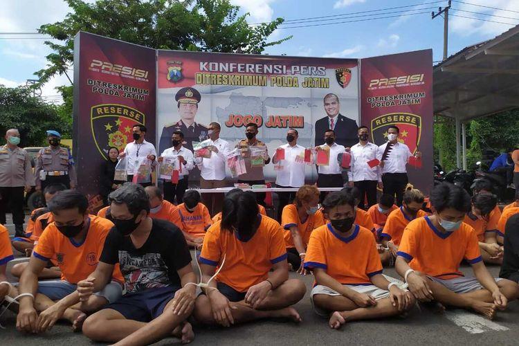Puluhan pelaku Pungli dan premanisme ditangkap Polda Jatim dari pelabuhan, terminal hingga pangkalan bus dan truk.
