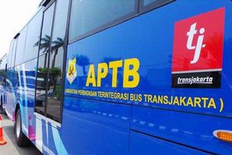 Angkutan Perbatasan Terintegrasi Busway (APTB) yang melayani rute Bogor-Rawamangun. Tarif APTB Rp 12.000 dan bisa melaju di jalur busway serta penumpang bisa langsung pindah ke bus transjakarta tanpa biaya tambahan.
