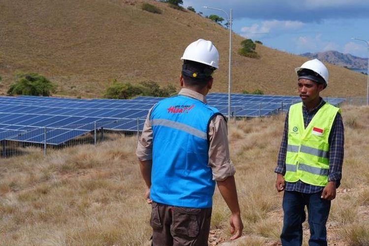 PLTS di Papagarang terdiri dari 1.102 unit panel matahari dan 500 unit baterai.