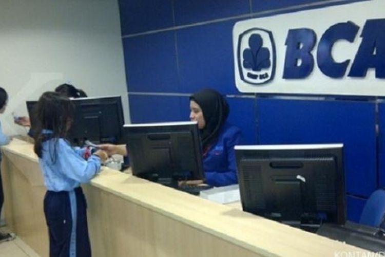 Anak-anak sedang berada di Establishment Minibank BCA di KidZania Jakarta