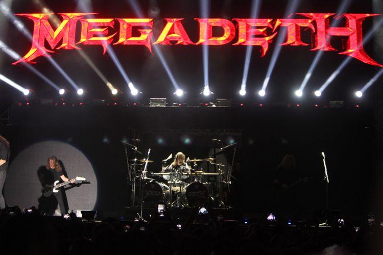 Band metal Megadeth beraksi dalam Hammersonic 2017 di Ecopark, Ancol, Jakarta Utara, Minggu (7/5/2016). Megadeth menjadi salah satu band yang ditunggu para penggemar musik metal dalam festival tersebut. Sejumlah band metal dalam dan luar negeri ambil bagian, antara lain Seringai, Revenge The Fate, Trojan, The Black Dahlia Murder, Whitechapel, dan Northlane.