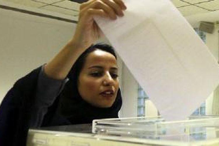 Sekitar 130 ribu perempuan mendaftar untuk memilih dalam pemilu yang baru tiga kali terjadi di Arab Saudi.