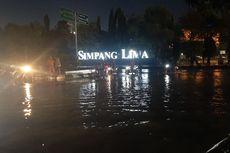 2 Jam Diguyur Hujan, Simpang Lima Semarang dan Kantor Gubernur Jateng Terendam Banjir