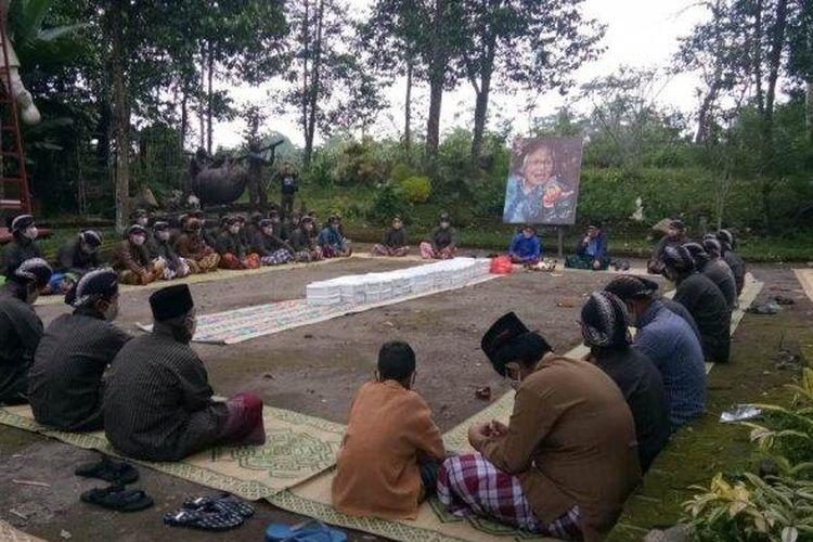 Kenduri Budaya 40 Hari Wafatnya Bapak Jakob Oetama di Taman Yakopan Omah Petroek, Dusun Wonorejo Hargobinangun Pakem, Pakem, Minggu (18/10/2020).