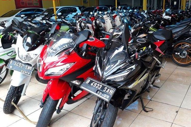 Ilustrasi motor sport 250 cc di diler motor bekas