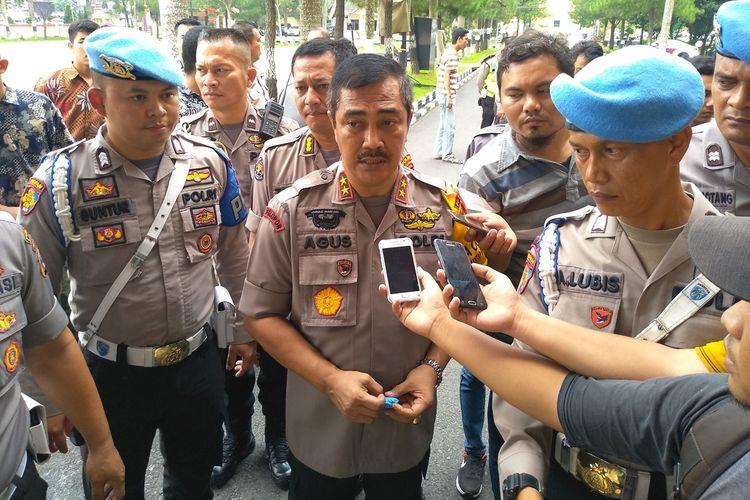Kapolda Sumut Irjen Pol Agus  Andriantoo menyebut menyebut bahwa SA  (51) terpapar radikalisme saat merantau ke Jawa. Sementara itu,  polisi tidak menemukan indikasi keterkaitan keluarganya  dengan Jamaah Ansharut  Daulah (JAD)