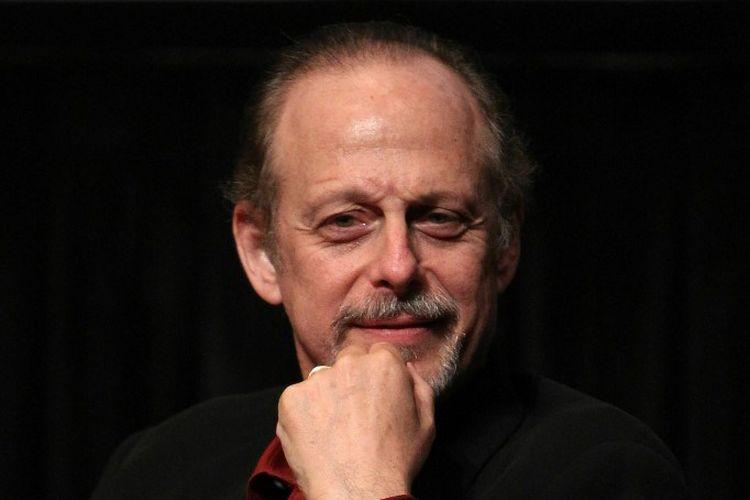 Aktor Mark Blum menghadiri pemutaran Desperately Seeking Susan dalam rangka ulang tahun ke-25 film tersebut di  Furman Gallery, New York City, pada 23 September 2010.