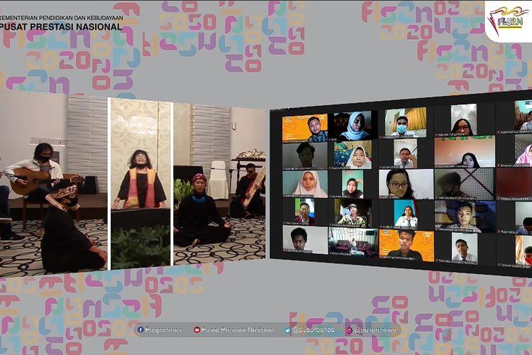 Untuk jenjang SMA dan SMK, rangkaian acara lomba FLS2N dibuka pada Selasa, 29 September 2020 di Bandung dengan mengusung tema ?Berprestasi, Unggul dan Mendunia? dan akan berlangsung hingga tanggal 4 Oktober 2020.