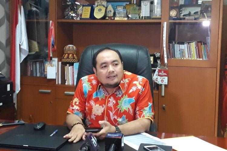 Anggota Bawaslu Mochammad Afifuddin di kantor Bawaslu, Jakarta Pusat.