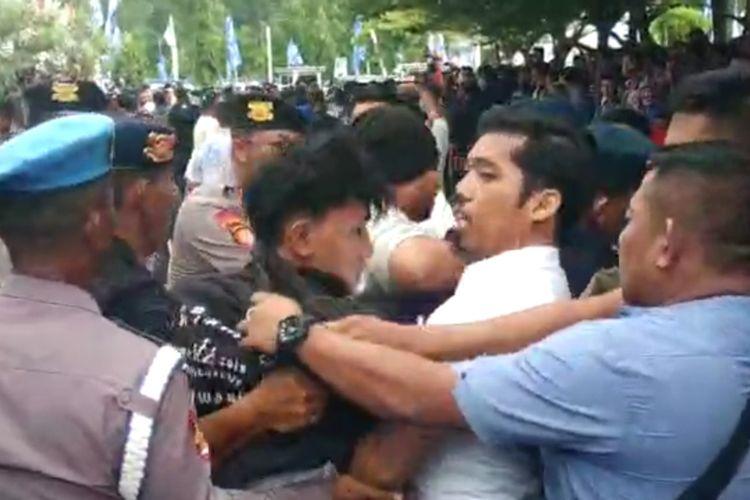 Polisi amankan 3 orang yang hendak membuat keributan di Kongres V PAN di Kendari