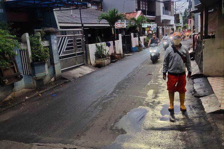 Kondisi kelurahan Rawa Buaya pada Rabu (17/2/2021) yang sudah tidak digenangi air