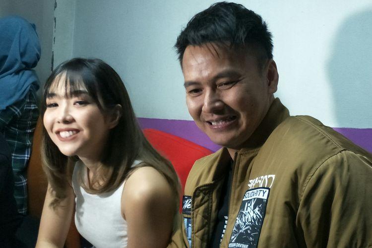Gisella Anastasia dan Wijaya Saputra alias Wijin saat ditemui di Gedung Trans TV, Jakarta Selatan, Senin (6/1/2020)