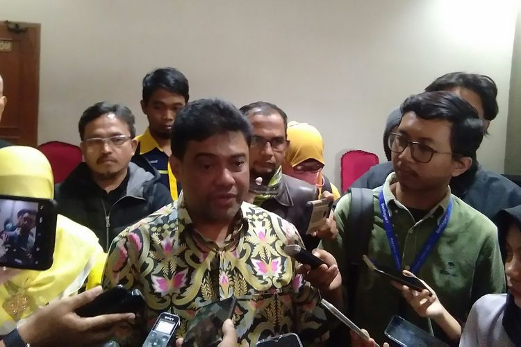 The Confederation of Indonesian Trade Unions chairman Said Iqbal speaks to journalists in Jakarta on March 3, 2020.