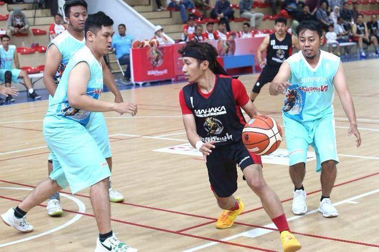 Mahaka memastikan menjadi juara grup menyusul kemenangan atas Kumparan 40-18.