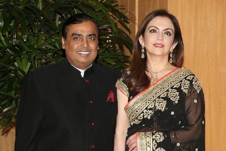 Pengusaha Mukesh Ambani dan istrinya, Nita.