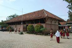 Melihat Uniknya Gedung Sekolah Peninggalan Belanda di Karawang