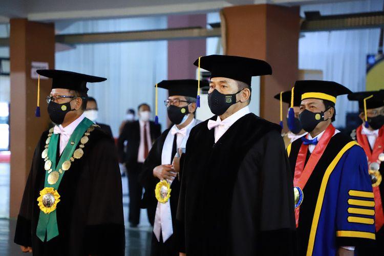Jaksa Agung Sanitiar Burhanuddin dikukuhkan sebagai Guru Besar Tidak Tetap Universitas Jenderal Soedirman, Jumat (10/9/2021).