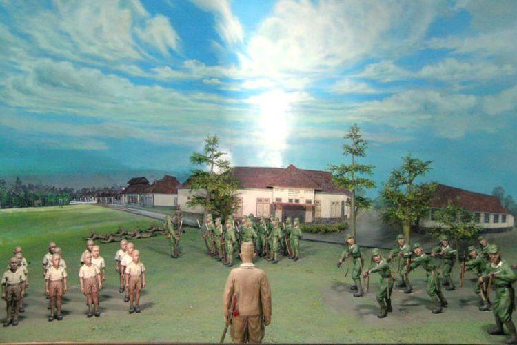 Diorama adegan latihan militer bagi pemuda pada masa pendudukan Jepang di Lapangan Bumijo, Jl. Tentara Pelajar (Depan Gedung SMU 17 I) pada  Tahun 1942-1945. Diorama tersebut merupakan koleksi dari Museum Vredeburg Yogyakarta.