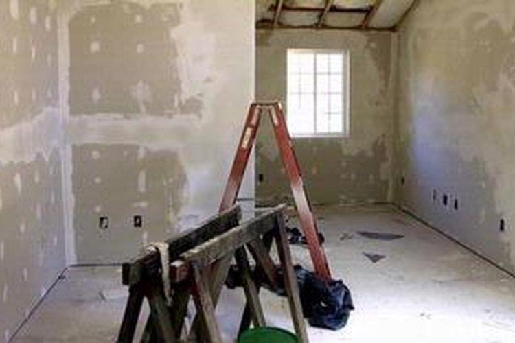 Papan gipsum bisa menggantikan fungsi plester dan acian. Secara aplikasi lebih cepat waktu pengerjaannya, kemudian area kerjanya juga lebih bersih.
