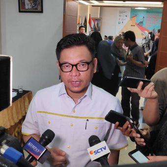 Juru Bicara TKN Jokowi-Maruf, Ace Hasan Syadzily, di kantor KPU, Menteng, Jakarta Pusat.