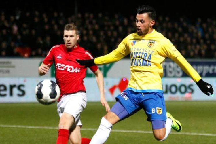 Stefano Lilipaly mencetak gol SC Cambuur ke gawang Helmond Sport pada partai lanjutan Eerste Divisie, Jumat (3/2/2017).