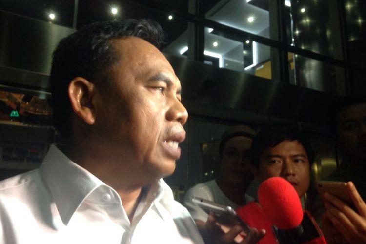 Sekretaris Daerah DKI Jakarta Saefullah usai dimintai keterangan di gedung KPK, Jakarta Selatan, Jumat (27/10/2017).
