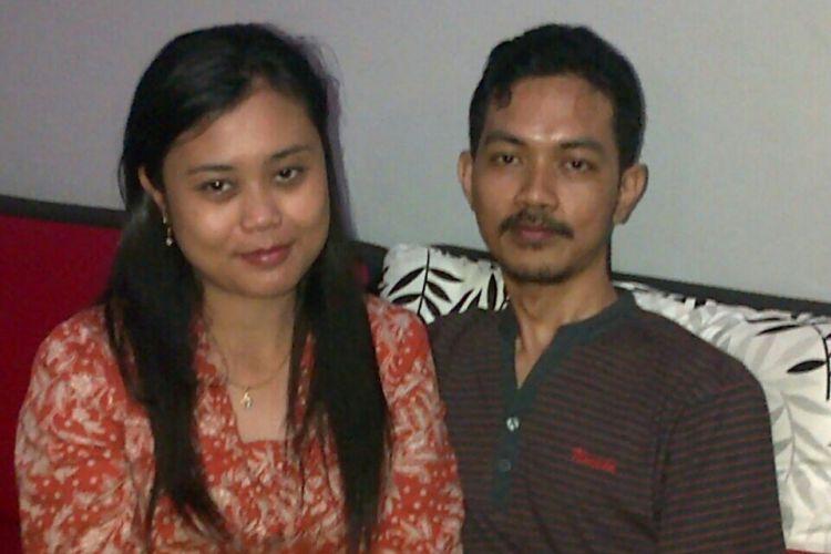 Fidelis Arie Sudewarto dan istrinya Yeni Riawati semasa hidupnya