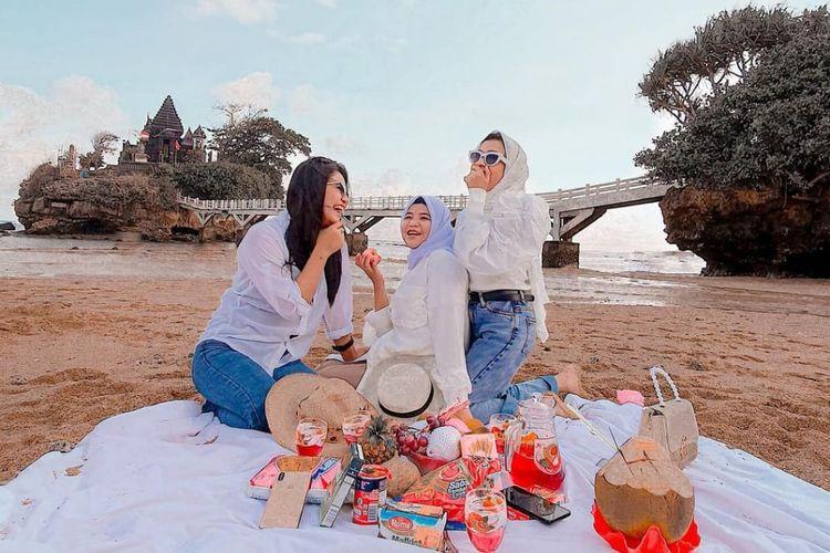 Pantai Balekambang, Malang