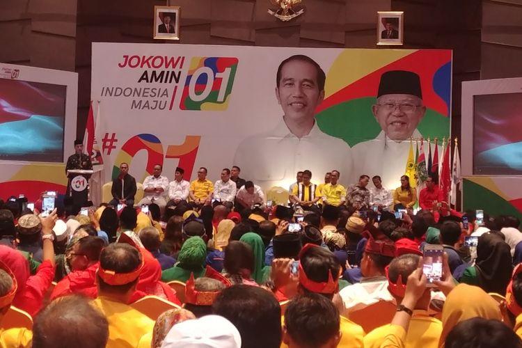 Capres nomor urut 01 Joko Widodo saat bertemu Tim Kampanye Daerah Jokowi-Maruf Riau, di Pekanbaru, Sabtu (15/12/2018).