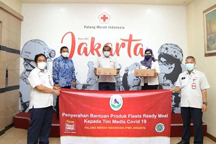 Pemberian bantuan berupa Fiesta Ready Meal oleh CPI kepada PMI dan rumah sakit di Indonesia.
