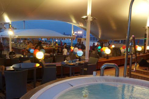 Berlibur Naik Kapal Pesiar, Sensasi Kemewahan Hotel di Tengah Laut