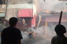 Belasan Armada Damkar Berjibaku Padamkan Kebakaran Pasar Rakyat Ciranjang