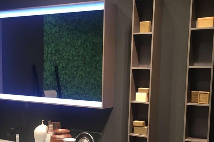 Cermin backlit
