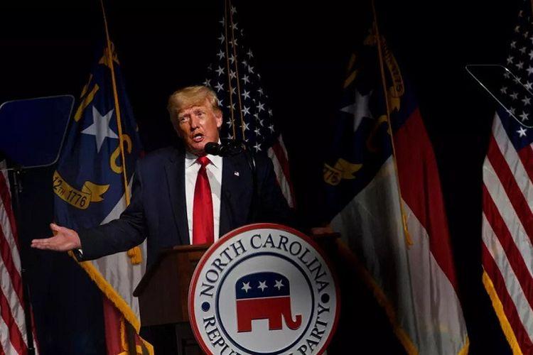 Mantan Presiden Amerika Serikat Donald Trump berkampanye di Konvensi Partai Republik Carolina Utara di Greenvile, Sabtu (5/6/2021)