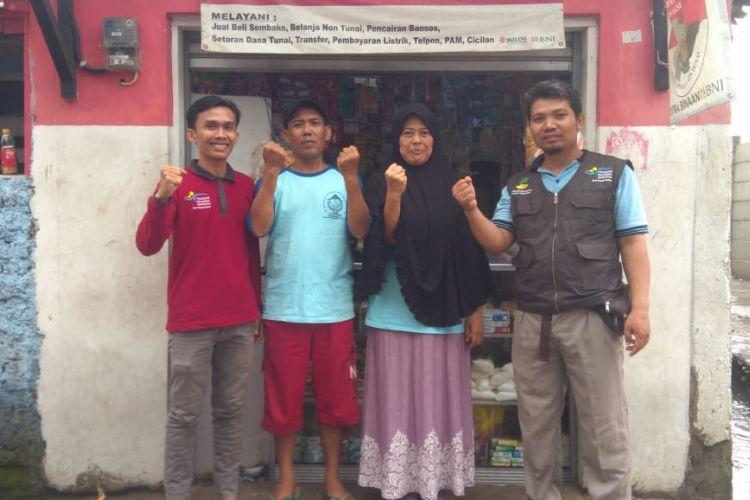 Penyaluran bantuan sosial pangan (bansos) beras sejahtera (rastra) dan Bantuan Pangan Non Tunai (BPTN) di E-Warong.