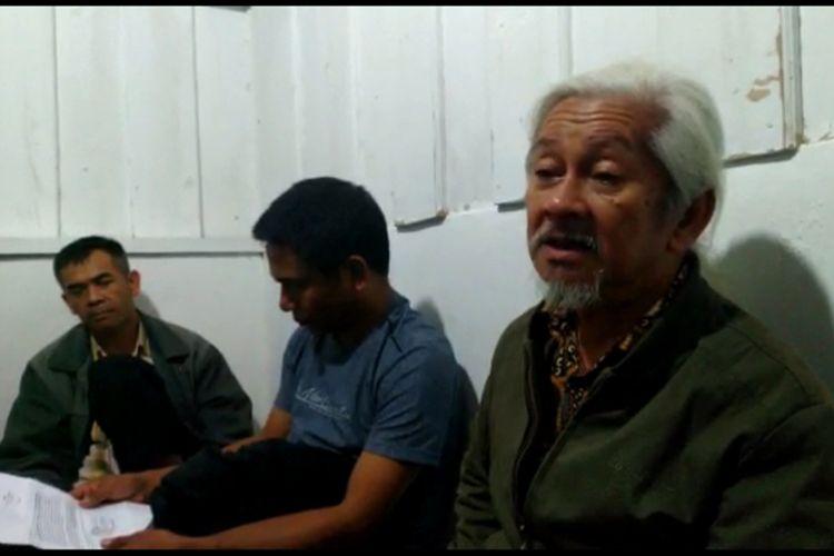 Tokoh adat dan kepolisian Mamasa jatuhkan sanksi ganda bagi 3 pelaku perkosaan yang dilakukan Ayah, Kakak, dan Sepupu terhadap remaja wanita berusia 15 tahun.