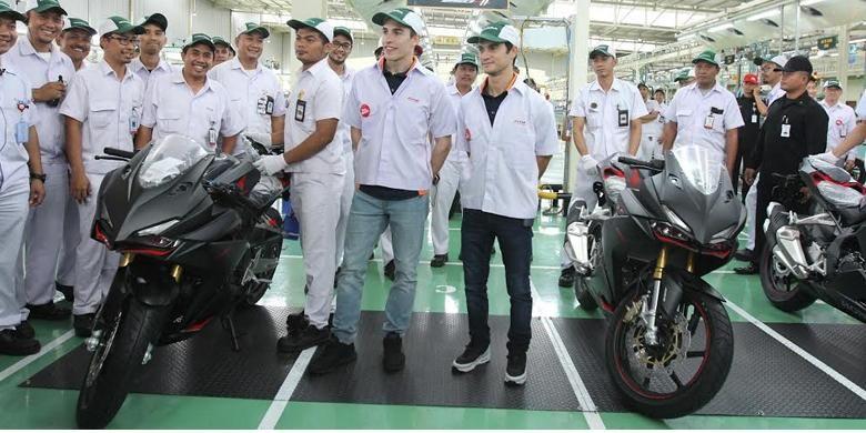 Marquez dan Pedrosa mengunjungi pabrik AHM